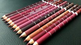 creioane buze