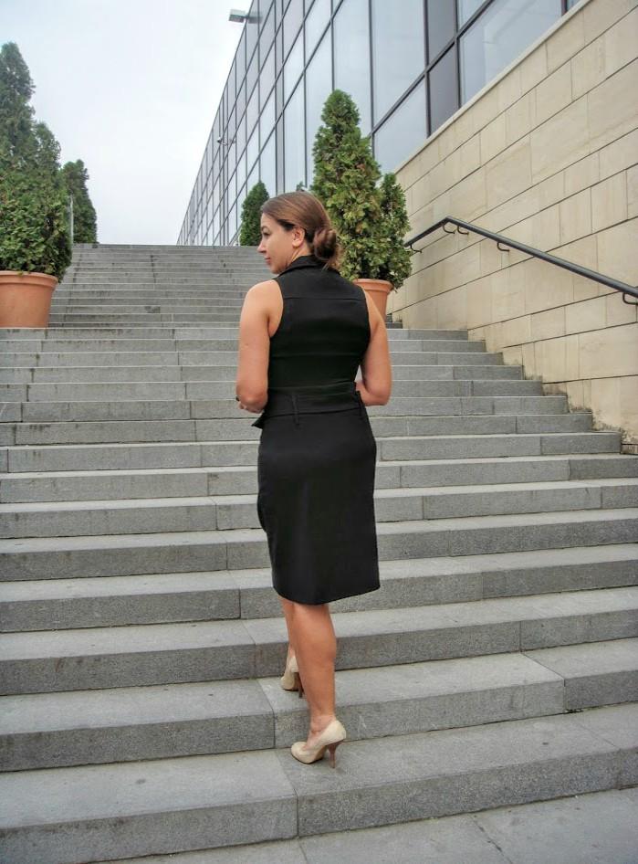 rochie neagra midi