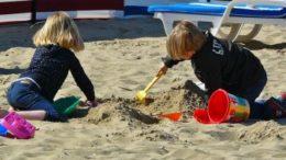 jucarii nisip