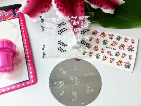 accesorii si stickere unghii