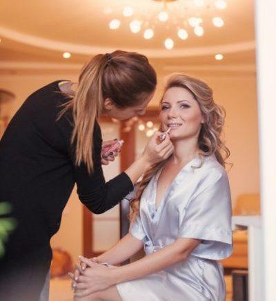 10 Produse Make Up Pe Care Trebuie Să știi Să Le Foloseșteti înainte