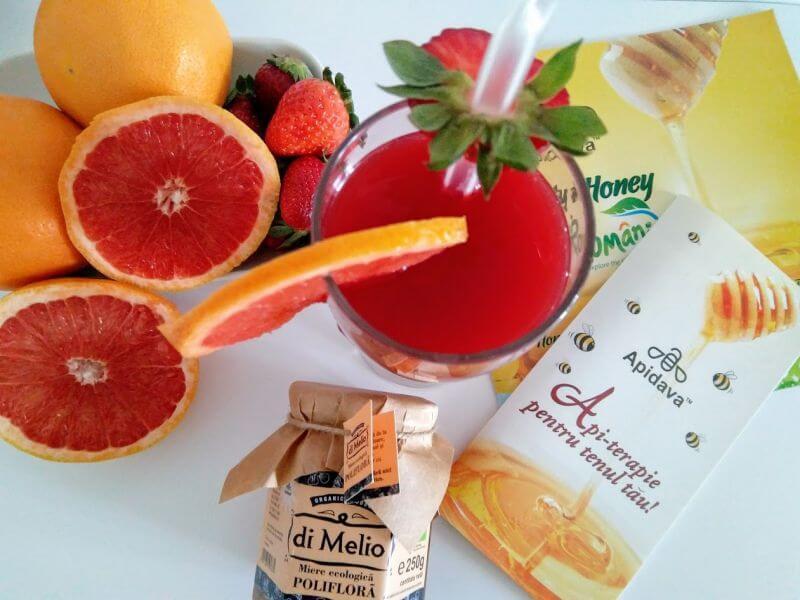 suc de fructe cu Miere polifloră ecologică di Melio APIDAVA