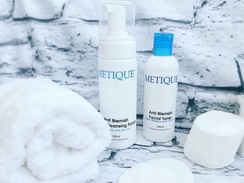Produse anti acneice Metique