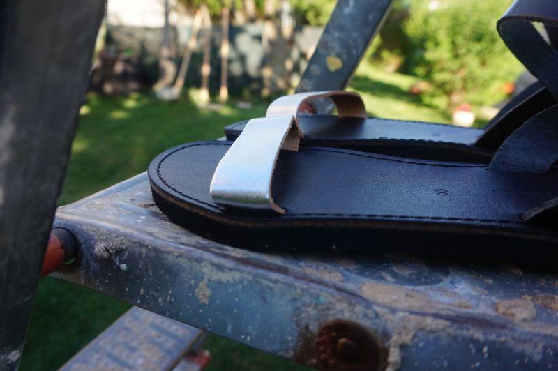 Sandale din piele naturală cu talpa joasa FUNKY CASUAL, ARGINTIU - NEGRU review