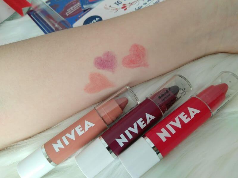 swatch creioane buze NIVEA
