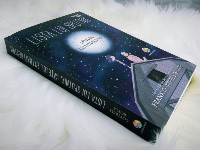 Lista lui Sputnik, cățelul extraterestru de Frank Cottrell Boyce - recenzie carte