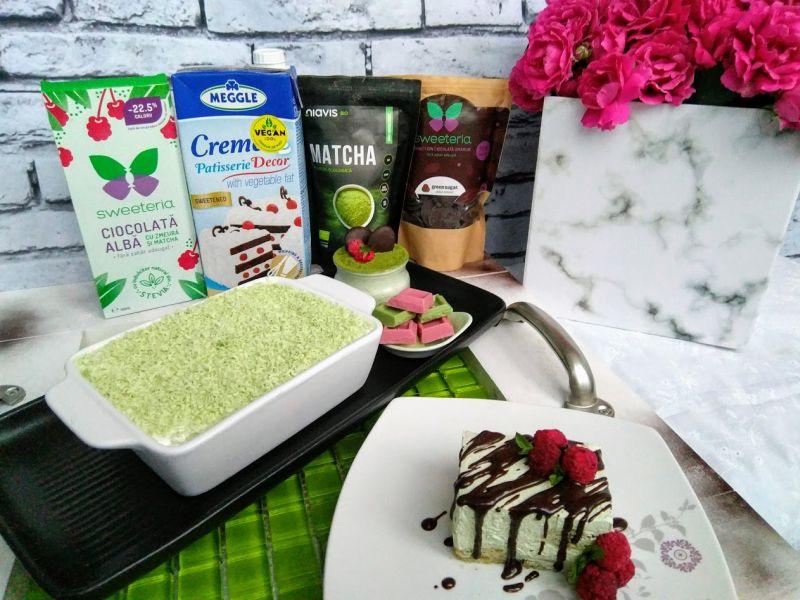 Matchamisu vegan cu ciocolata sweeteria