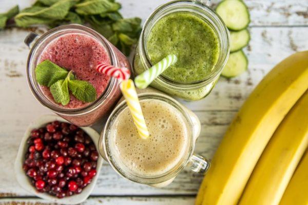 reţete smoothie din fructe cu lapte
