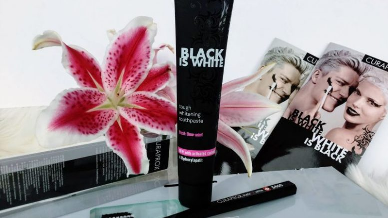 review pastă de dinți Curaprox black is white