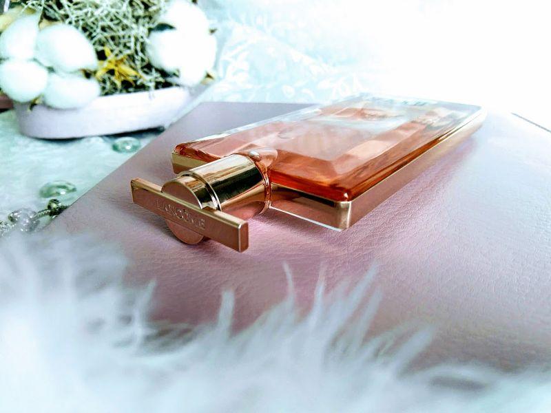 flacon parfum Idole de Lancome