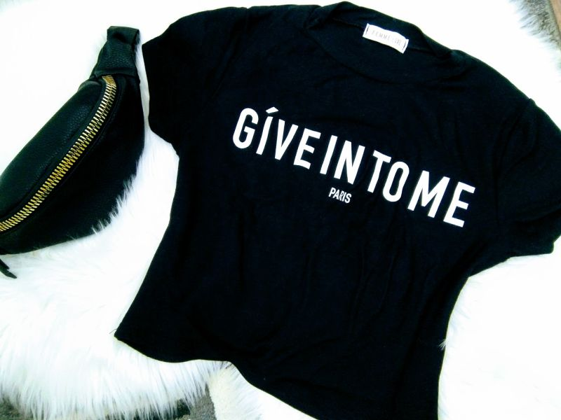 Black Give In To Me Print Tee - Giovanna