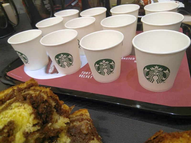 pahare cafea Starbucks