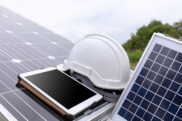 proiectarea de instalaţii panouri fotovoltaice