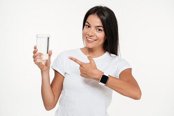 Apa rece - cel mai eficient truc în combaterea celulitei